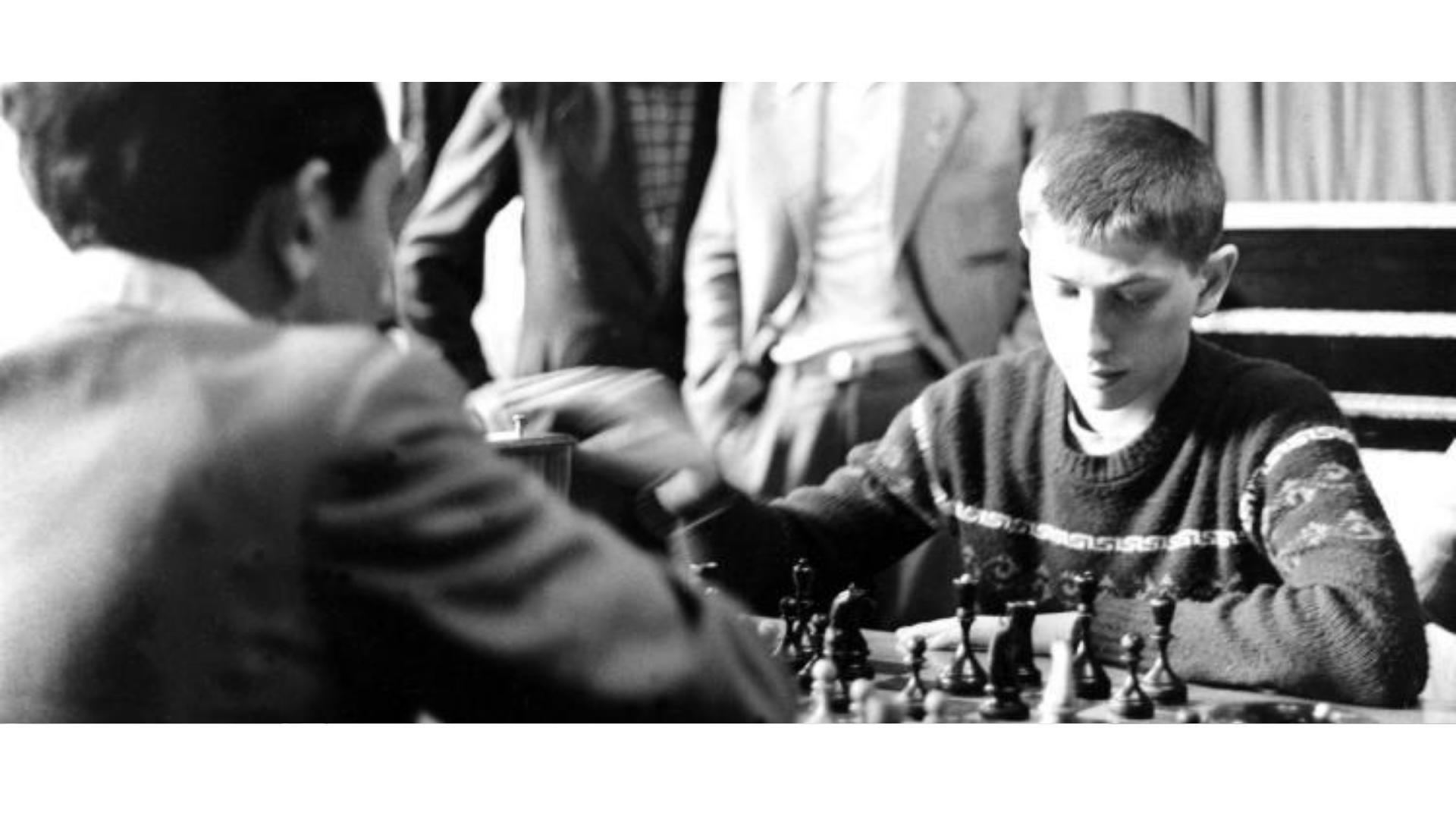 Bobby Fischer'a ait çocukluk görseli.