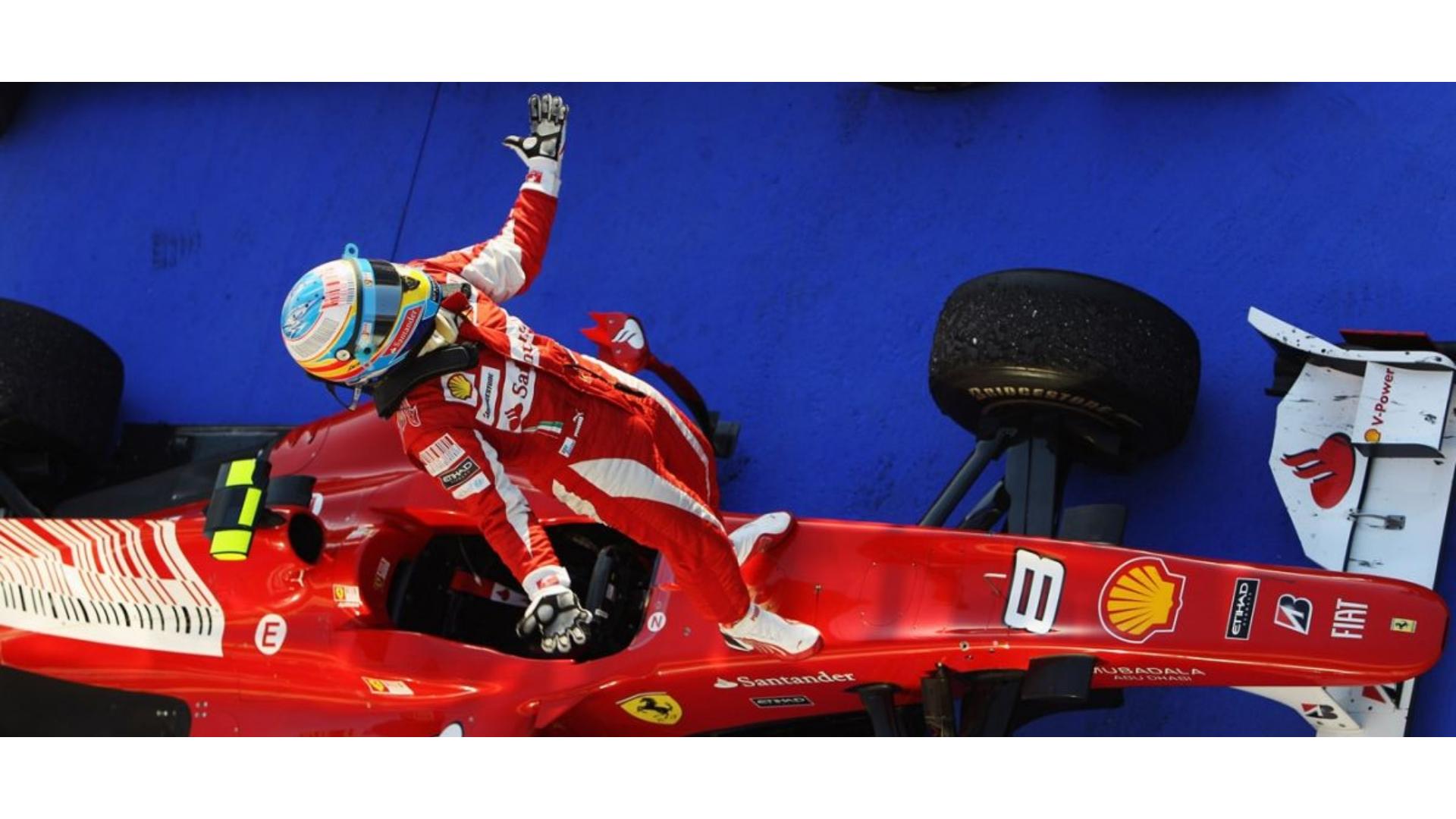 Ferrari f1 aracının pilotuna ait bir görsel.
