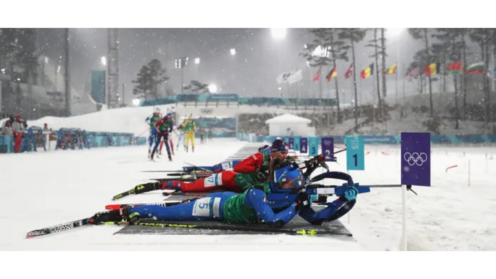 Kış sporları arasında yer alan biathlon branşına ait bir görsel.
