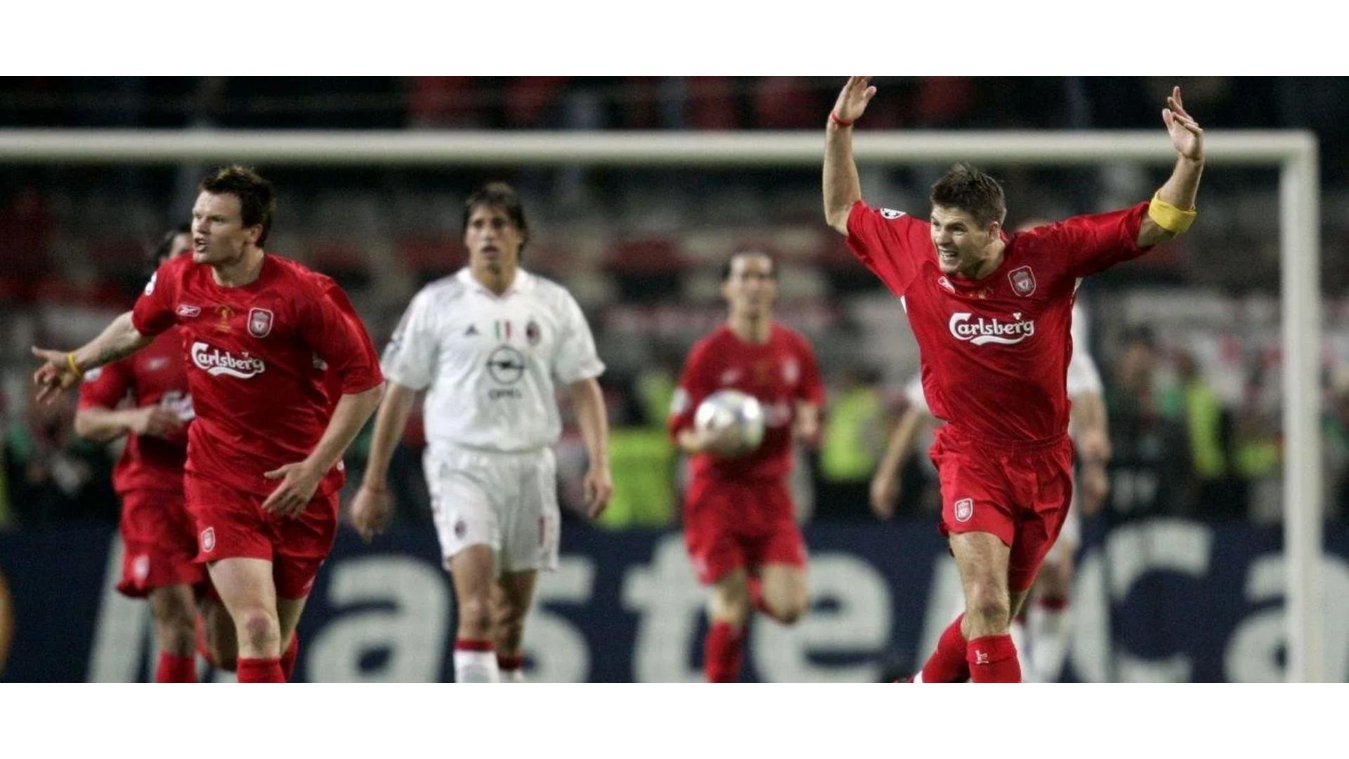 Gerrard'ın takımını motive ettiği ana ait bir görsel.