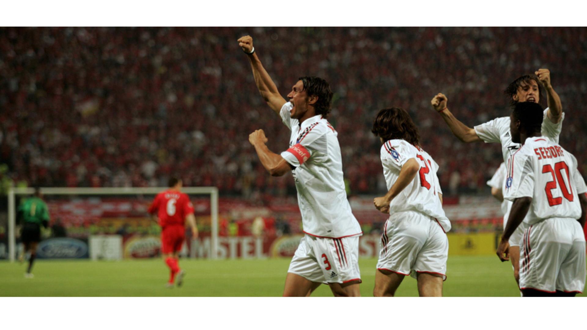 Maldini'nin gol sevinci yaşadığı ana ait bir görsel.